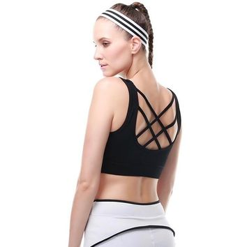 Black Scoop Neckline Back Strappy Detailing Sports Bra