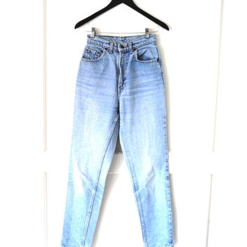 vintage LEVIS mom jeans 80s 90s vtg high waist LIGHT WASH faded distressed tapered 531 levis jeans size 26