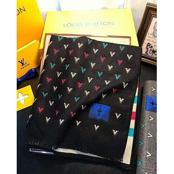 LV Louis Vuitton Newest Fashionable Chic V Letter Jacquard Cashmere Cape Tassel Scarf Scarves Shawl Accessories