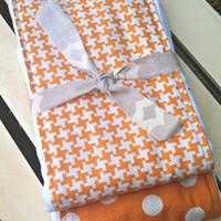 Burp Cloth Set Orange Dots and Houndstooth