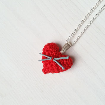 Small jewelry pendant: tiny heart with mini knitting needles, polymer clay, gift for knitterin