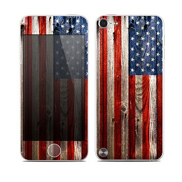 The Wooden Grungy American Flag Skin for the Apple iPod Touch 5G