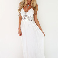 2016 New Fashion White Sling V-Neck Backless Sexy Dress Sleeveless Hollow Out Summer Women Beach Dress