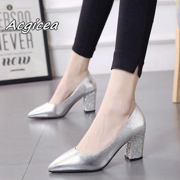 2018 autumn sexy prom wedding shoes female Square heel Pointed Toe Single shoes female 7cm Patent leather high heels   f053