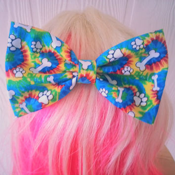 hair bow / Tie Dye hair bow / paw print Hair Bow / Hippie / 60s / Psychedelic / groovy bow / fabric bow / hair bow clip / colorful hair bow
