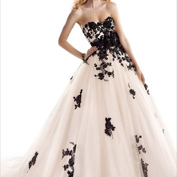 Top-rated Black Lace Sweetheart Ball Bridal Dresses Court Train Sashes Flowers New Style Nude And Black Wedding Dresses