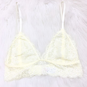 EVERLASTING DESIRE LACE BRALETTE IN CREAM