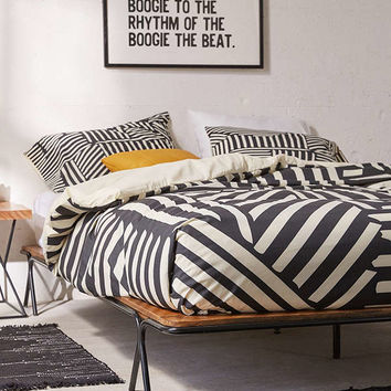 Price Metal Frame Platform Bed | Urban Outfitters