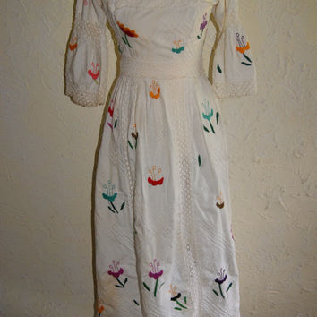 Vintage Ladies White Full Length Wedding Formal Party Or Costume Dress With Floral Applique And Crocheted Inserts Handmade 1960s To 1970s