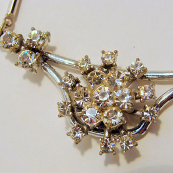 Unique Metal Bar Link and Rhinestone Flower Necklace