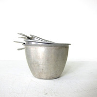 vintage Measuring cups Set. Vintage Aluminum Measuring cups. set of 4