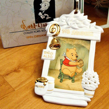 WDCC ~ Winnie The Pooh Walt Disney Collectors Society Holiday Ornament Vintage Retired Collectible
