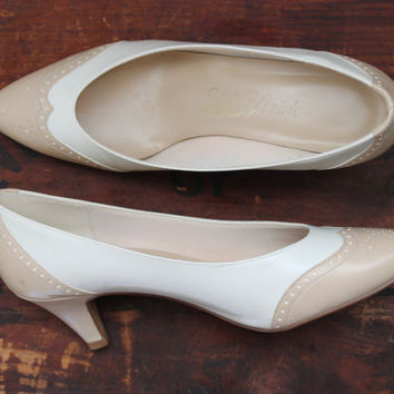 Vintage 1980s Heels Two Tone Spectator Pumps / Size 8