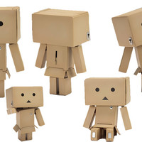GET FLAT 9% OFF on Danboard Yotsuba Tranformation Type Desk Action Figure at HAMEE!