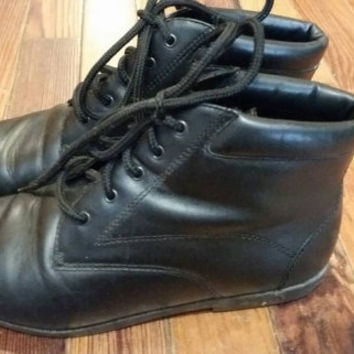 Maine woods black leather vtg 89s 90s booties lace up ankle boots size 6