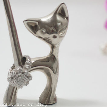 Cat Ring Organizer Holder / Ring Holder: Kitty Metal Jewelry Organizer, Silver Plated Ring Display / Jewelry Organizer