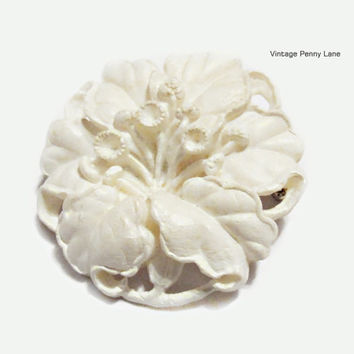 Vintage White Celluloid Flower Brooch / Pin