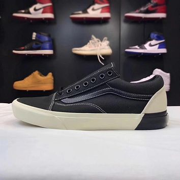 Vans Old Skool Low Top Men Flats Shoes Canvas Sneakers Women Sport Shoes Black White