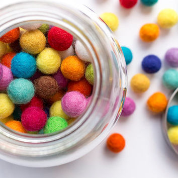 1cm Wool Felt Ball x 150 Multicolour. 10mm Felt Balls Mixed Colour. Wool. Pom Pom. Gumball. Beads. Wholesale. Bulk. Craft. Decoration. DIY.