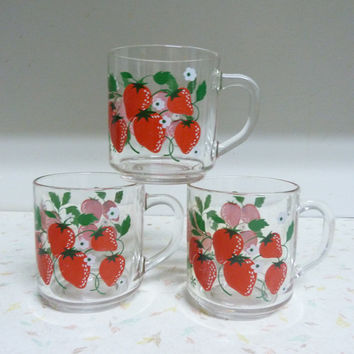 Beautiful Set of 3 Strawberry Mugs Clear Glass Made in France