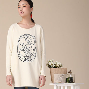 Print tee, beige t-shirt, long sleeve t-shirt, womens tee, fashion top, cotton tshirt (ESR40)