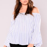 New Level Top - Ivory/Blue