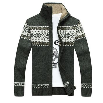 New Plus Size Sweater Coat Men Fashion Printed Men's Christmas Cardigan Pullover Casual Knitted Warm Stand Collar Sweater Jacket