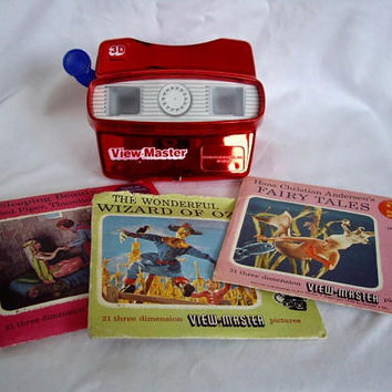 Vintage Red Metallic View Master and 31 Reels