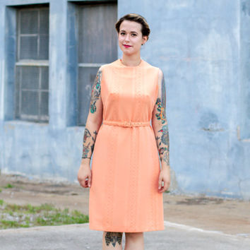 vintage 1960s shift dress / peach dress / 1960s mods dress / 1960s dress / polyester dress / mod shift dress vintage 60s dress pastel dress