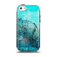 The Grungy Teal Surface V3 Apple iPhone 5c Otterbox Symmetry Case Skin Set