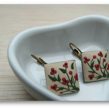 Floral Jewelry- Poppy Flower Jewelry- Floral Polymer Clay Jewelry- Poppy Flower Earrings- Beige, Red, Green- MADE TO ORDER