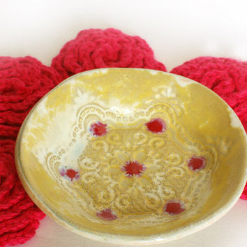 Ceramic stand bowl and five pink flower Face Scubbies - Facial Wash Cloth, Baby Wash Cloth, Flower Scrubbies, Make Remover Pads