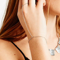 Fine Hand Chain in Silver - Urban Outfitters