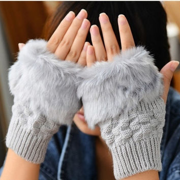 Fashion cute ladies wild imitation rabbit fur mitts warm wool half-finger gloves = 1958087556