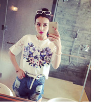 Stitching lace flowers short-sleeved T-shirt