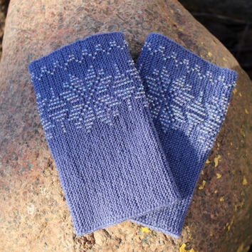 Blue-Gray Color Wrist Warmers, Beaded Arm Warmers,  Fingerless Gloves, Beaded Cuff, Traditional Flowers Pattern, Luxurious Cashmere Wool