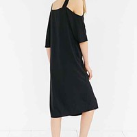 Silence + Noise Cold Shoulder Midi Dress- Black