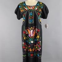 Vintage 1970s Oaxacan Mexican Embroidered Caftan Dress / Viva Mexico