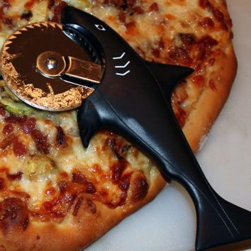 Hog Wild Idea Kitchen - Pizza Shark Pizza Cutter