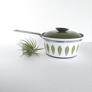 Vintage Cathrineholm Green and White Lotus Pot with Lid, Mid Century Cathrineholm Green and White Lotus Enamelware