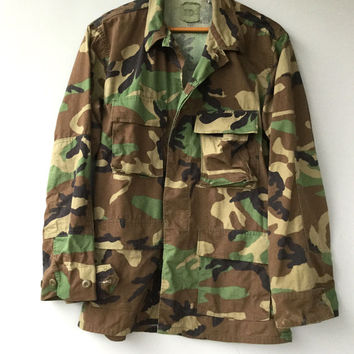 Vintage Mens Camo Jacket US Military Shirt Woodland Camouflage Hunting 90s Grunge M
