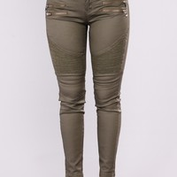 Slick With It Moto Jeans - Olive