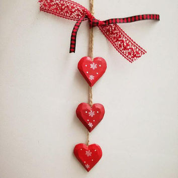 Red Christmas hearts, red wooden hearts mobile, wooden Xmas hearts deocr, door wooden hearts, red hearts Xmas decor with red lace and ribbon