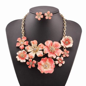 2017 new handmade gold Color chain statement chunky crystal pendant flower necklace with earrings sets for women