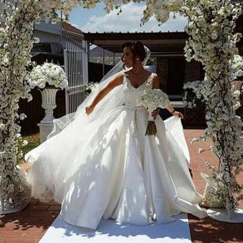 Vestidos De Novia Casamento V-Neck Lace Mermaid Wedding Dresses Sleeveless Applique Bridal Gowns With Detachable Train