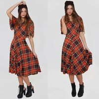 70s PLAID Dress Red & Black Tartan Short Sleeve Full Skirt Grunge Midi Medium