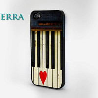 iPhone 4, iPhone 4s Vintage Piano and Heart  - iphone 5 cases- iPhone 4 iPhone 4s -