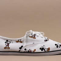 vintage shoes coming soon / Deadstock Mickey Mouse KEDS / Wms Sz 10 / Euro 40 41