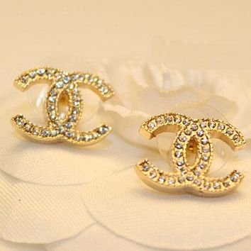 Chanel fashion temperament full of diamond earrings