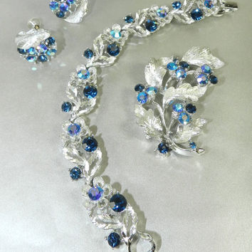 15%OffSale---) Lisner Signed Demi Parure Set Bracelet Earrings Brooch Set Sapphire Blue Aurora Borealis Bridal Jewelry Jewelery Vintage Gift